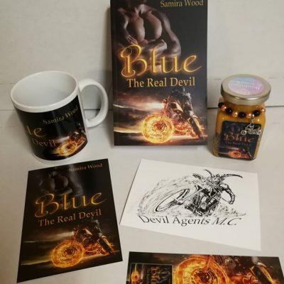 Buchbox Blue - The Real Devil