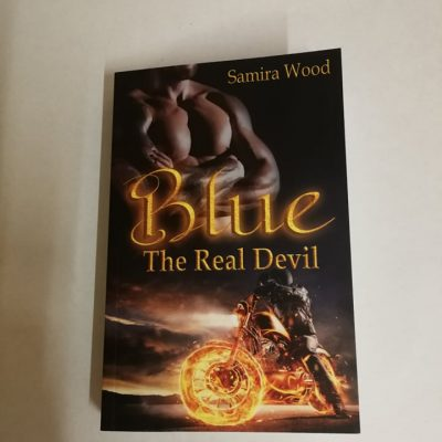 Signiertes Taschenbuch Samira Wood - Blue - The Real Devil