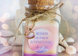 """Buchkerze """"Jeder deiner Atemzüge"""" – Alexandra Fischer"""