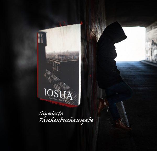 Signierte Taschenbuchausgabe von IOSUA
